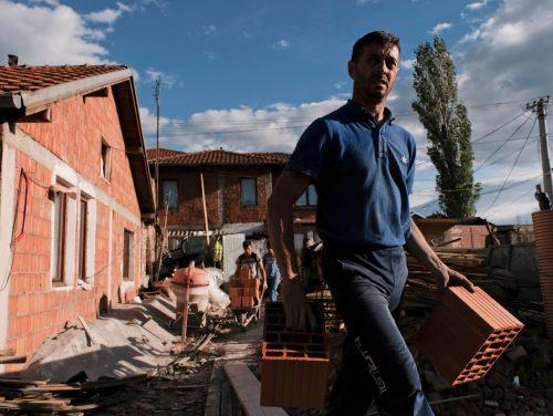 Syrije und ihr Mann Zymber Galiqi sind zusammen mit ihren fünf Kindern nach Ablehnung ihres Asylgesuchs aus Deutschland zurückgekehrt